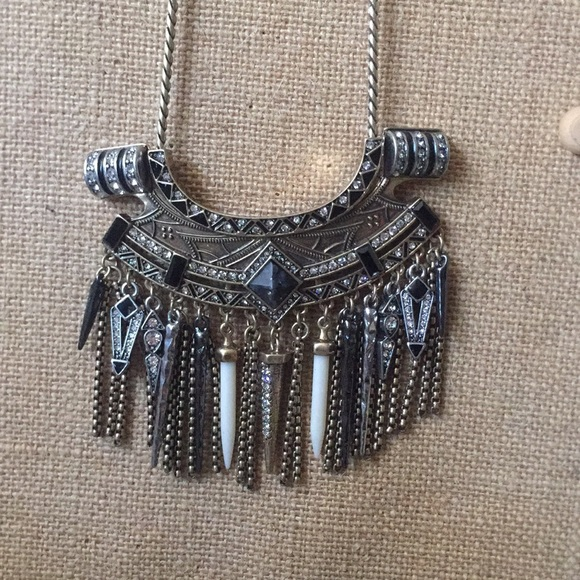Chloe + Isabel Jewelry - Amulet Statement Convertible Necklace